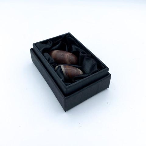 Setje van 2 shiva lingam stenen in zwart doosje