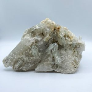 Staand stuk bergkristal
